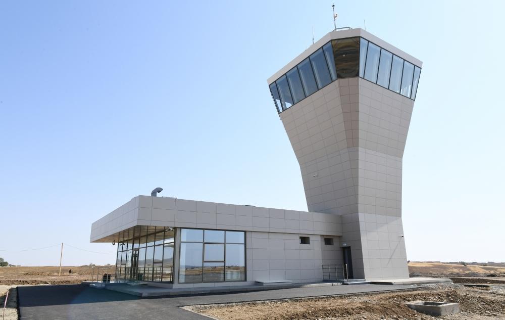 DFS Aviation Services lieferte erfolgreich das PHOENIX Tower System an den Flughafen Fuzuli für Azerbaijan Air Navigation Services (AZANS) aus